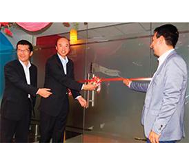 K(08_2015_Wacom-opens)1