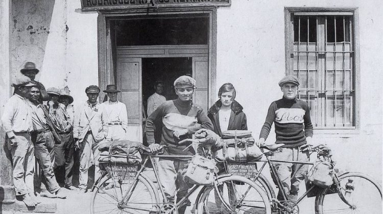 Bombay's Parsi Cyclists on a Global Cycle Expedition